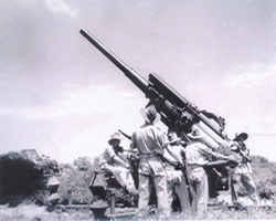 3.7 inch Mark 3 Heavy Anti Aircraft Gun - Live Firing North Head Manly
